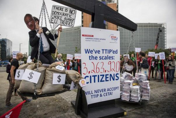 STOP-TTIP: l'Europa si mobilita contro i trattati di libero scambio